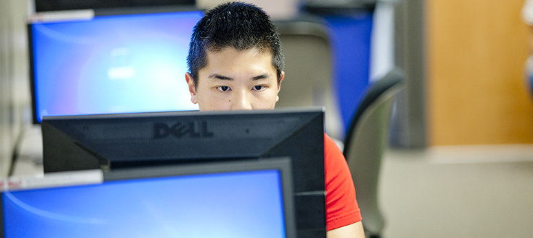 Student in CMC computer lab