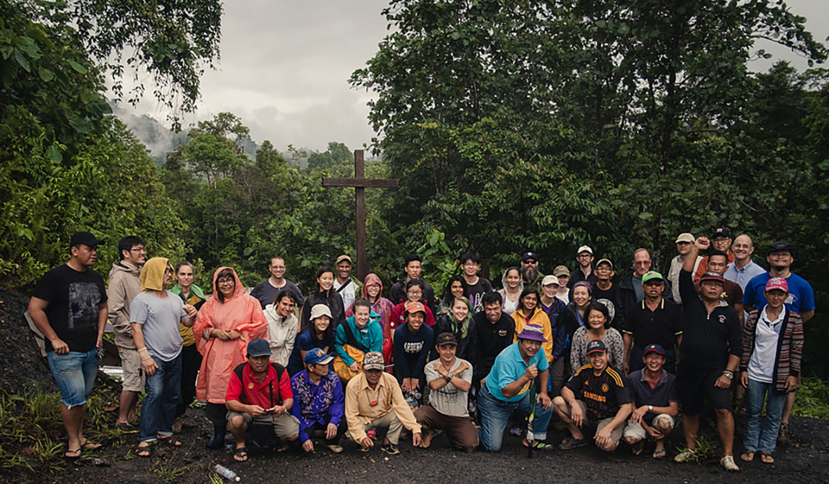 Claremont College's research team in Borneo, Malaysia