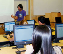 CMC Students in Computer Lab
