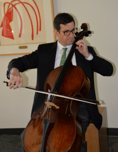 Joshua Rosett, Curb Family Associate Professor of Business and Law and George R. Roberts Fellow, is  the new director of Claremont McKenna's Financial Economics Institute. He also happens to be a trained cellist.