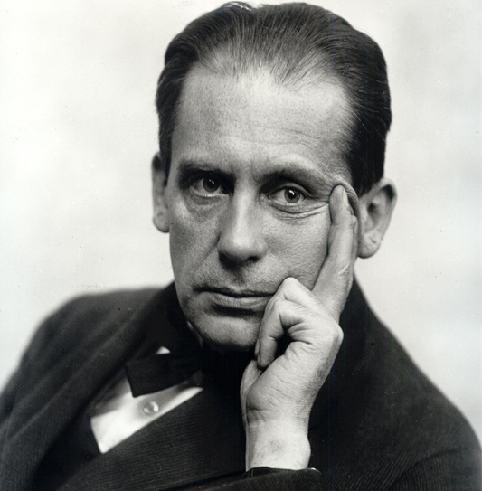 Conflicted about his homeland: Walter Gropius in 1919.