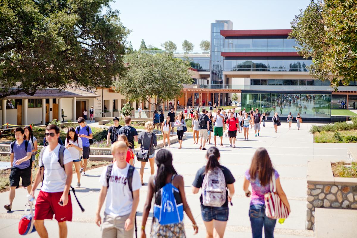 Students walking through Flamson Plaza
