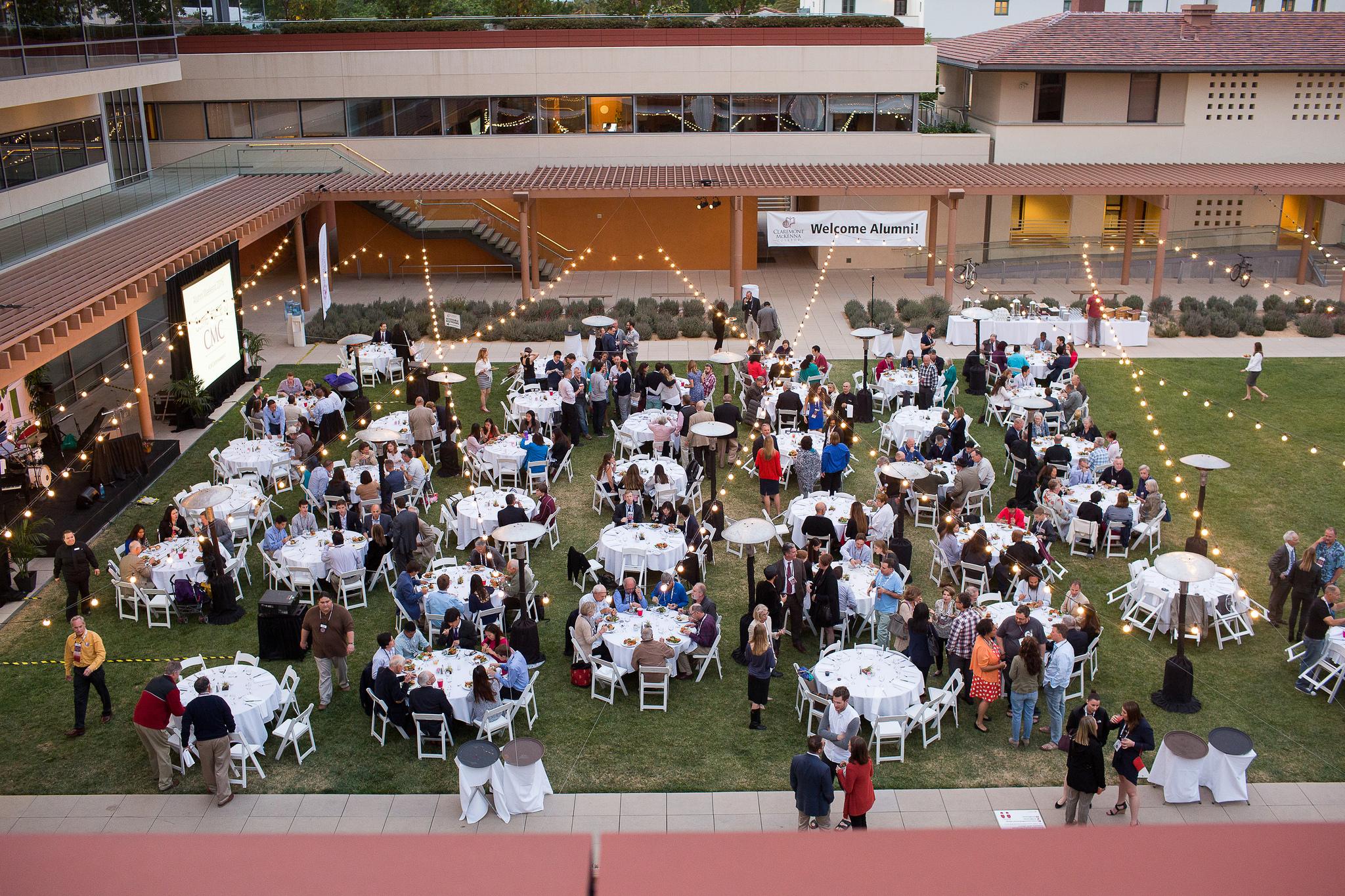Alumni Weekend dinner, Gann Quad 2016