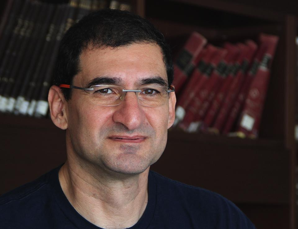 Yitzak Hen