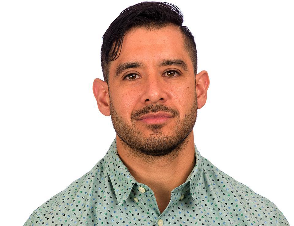 Alexander Aviña
